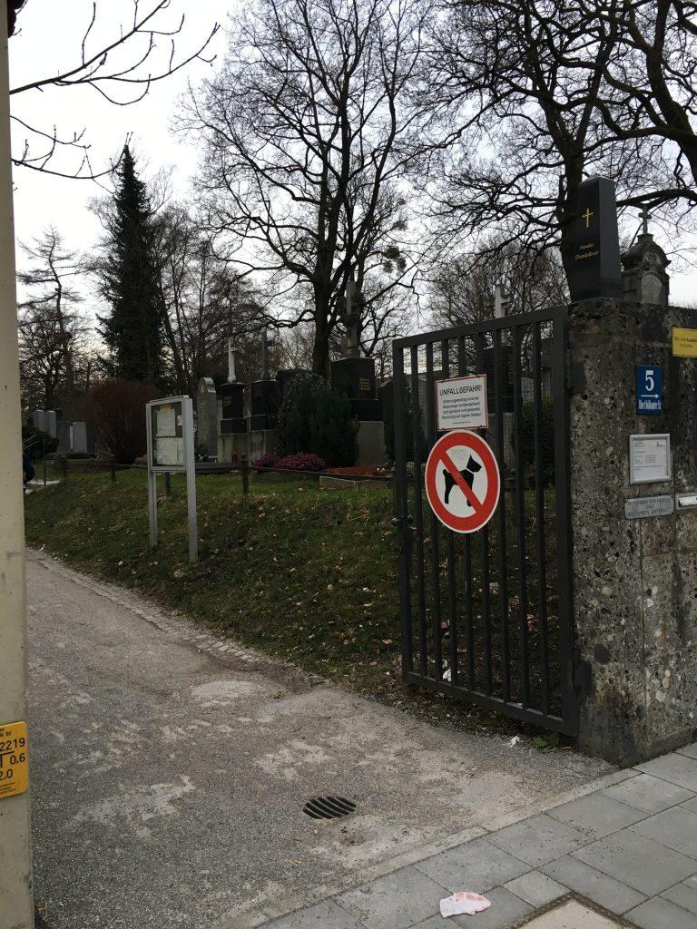 Albert-Roßhaupter-Straße