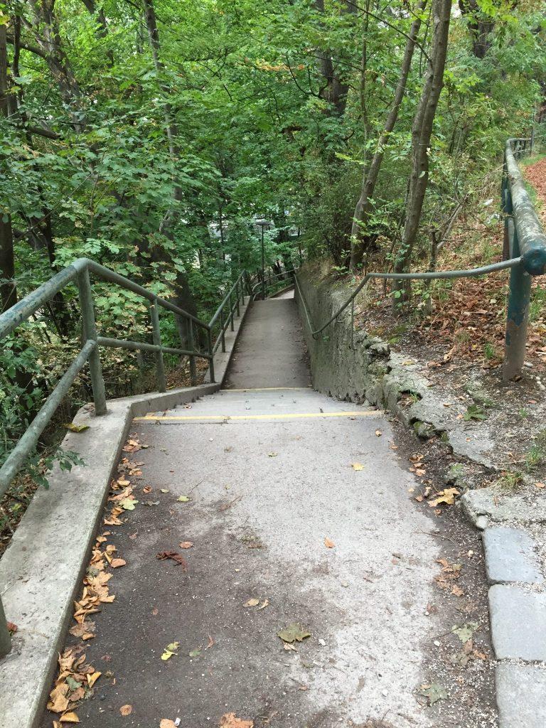 Am Bergsteig Weg zum Kolumbusplatz
