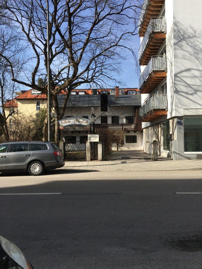 Baumkirchner Straße