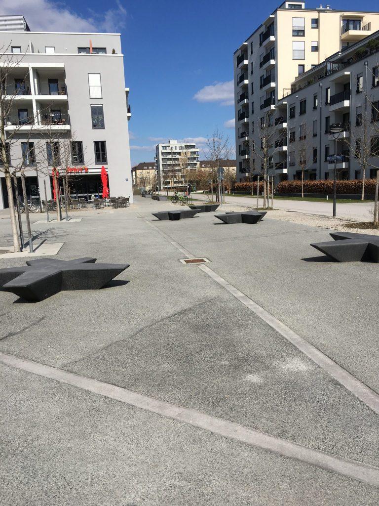 Ella-Lingens-Platz
