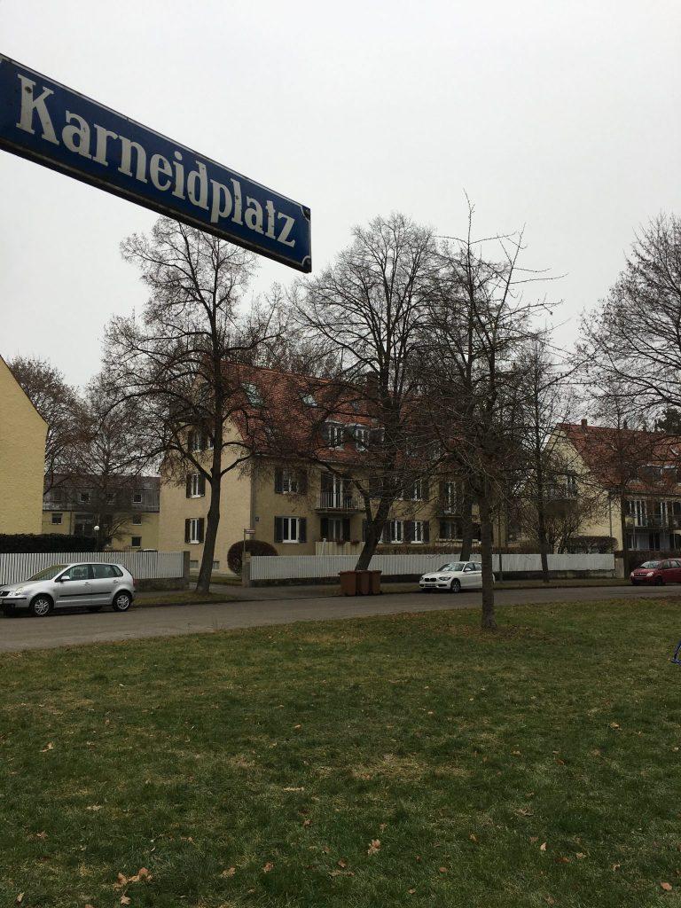 Karneidplatz