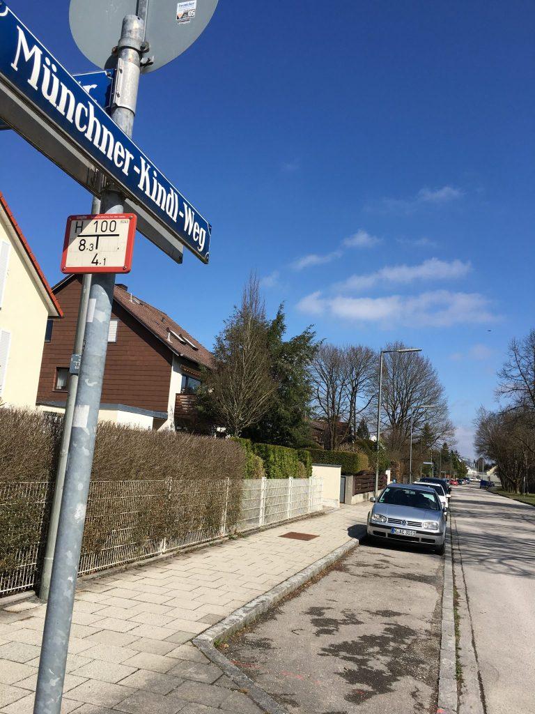 Münchner-Kindl-Weg