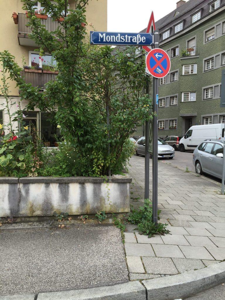 Mondstraße
