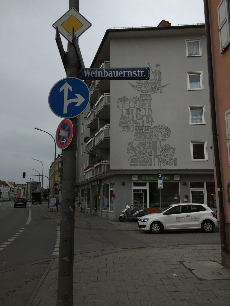 Weinbauernstraße