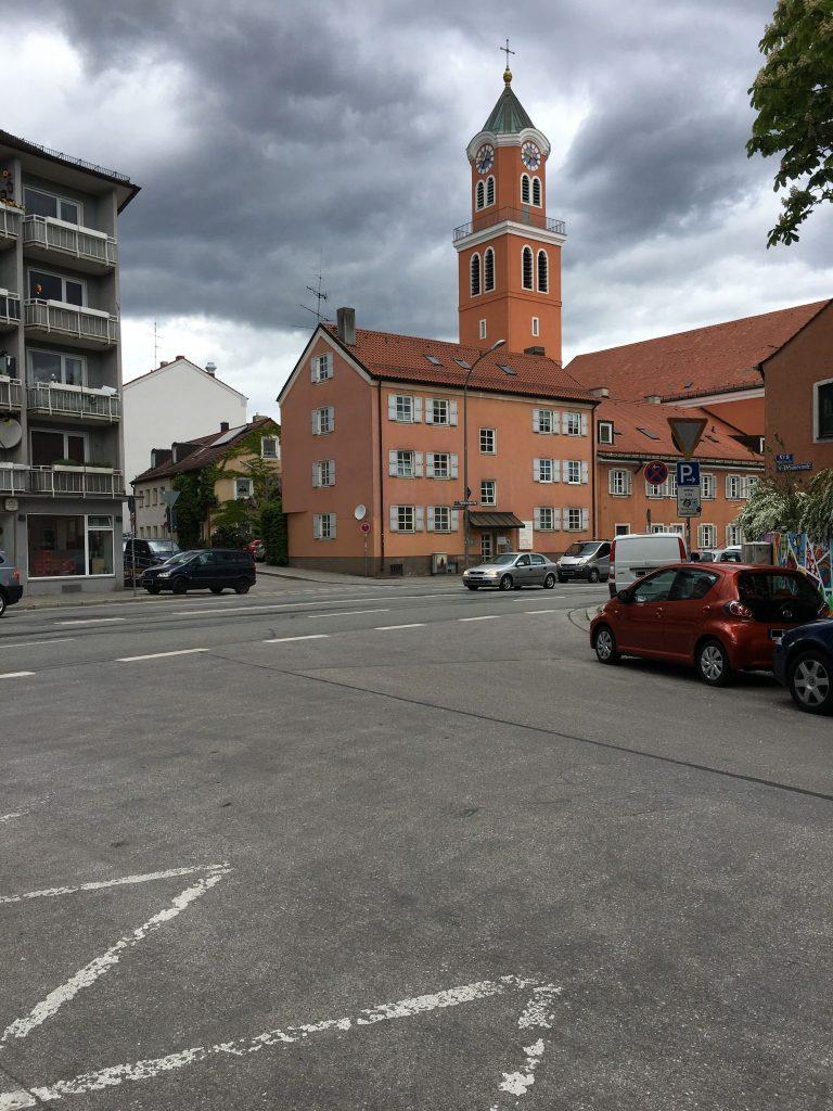 Weinbauernstraße mit Blick auf Martin-Luther-Straße