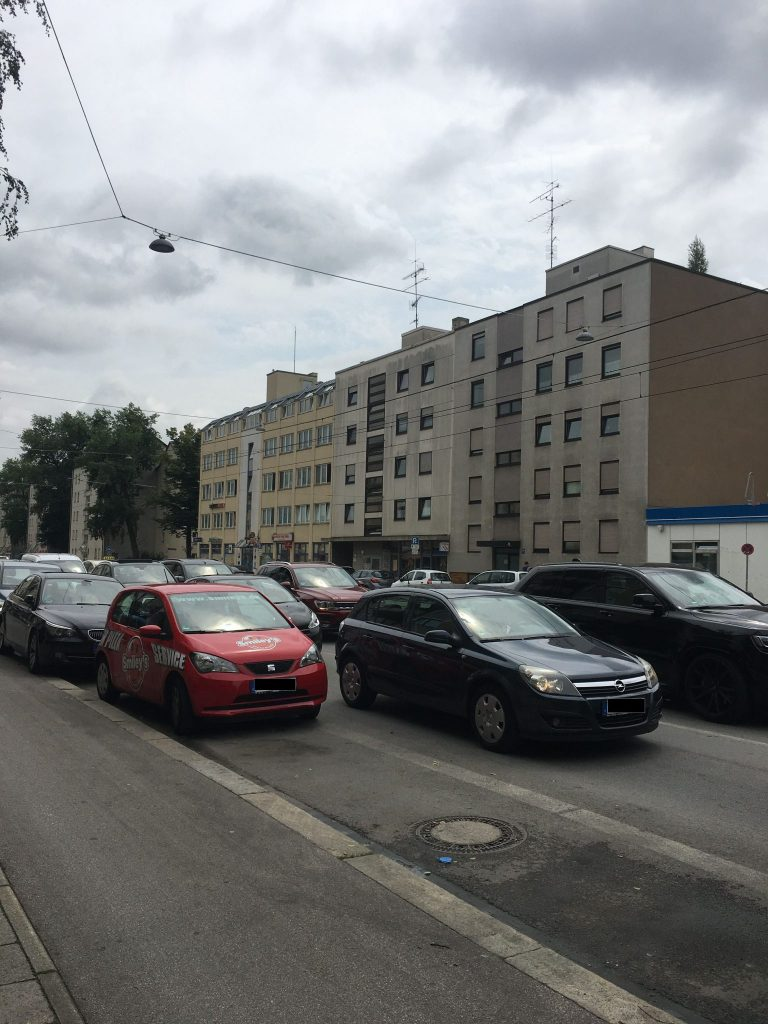 <em>Berg-am-Laim-Straße</em>