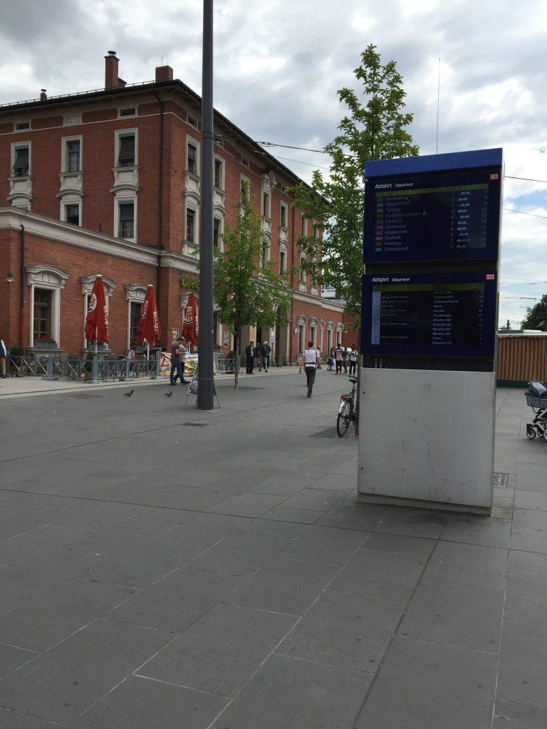 Pasinger Bahnhofsplatz