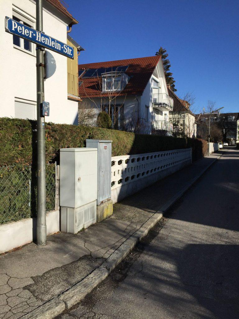 Peter-Henlein-Straße