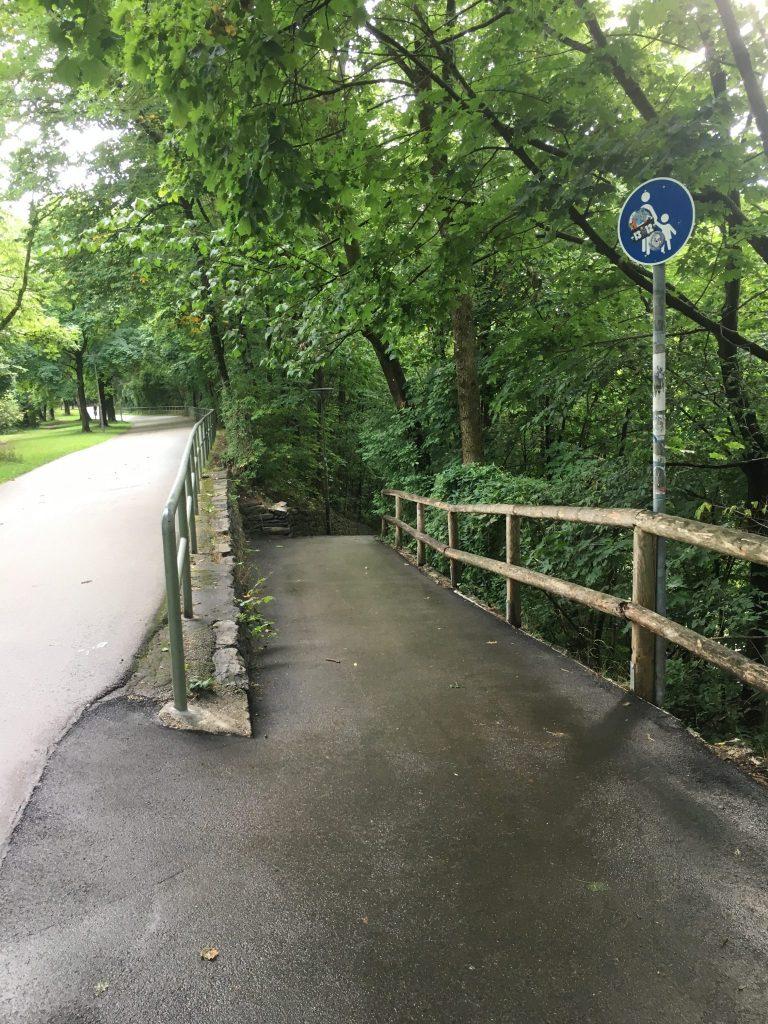 Harlachinger Straße Abgang zur Schönstraße