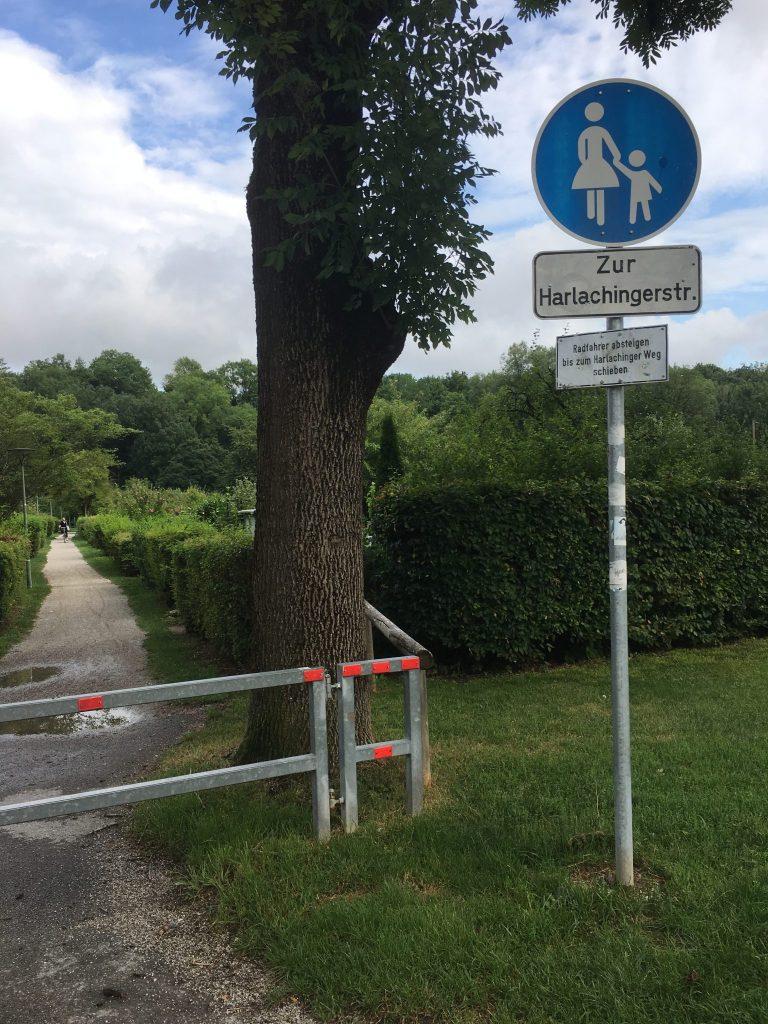 Schönstraße Weg zur Harlachinger Straße