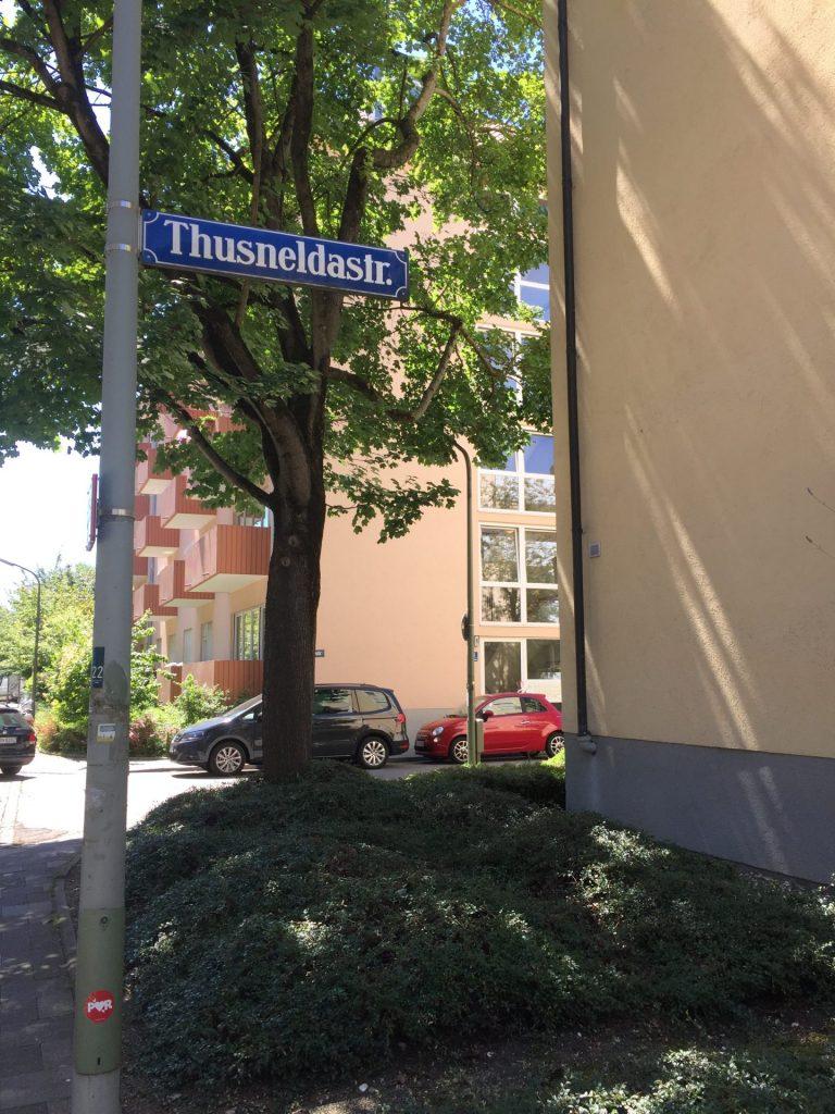 Thusneldastraße