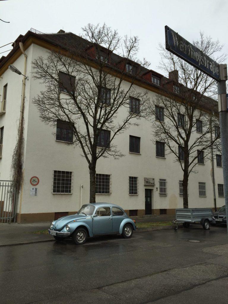 Warthofstraße