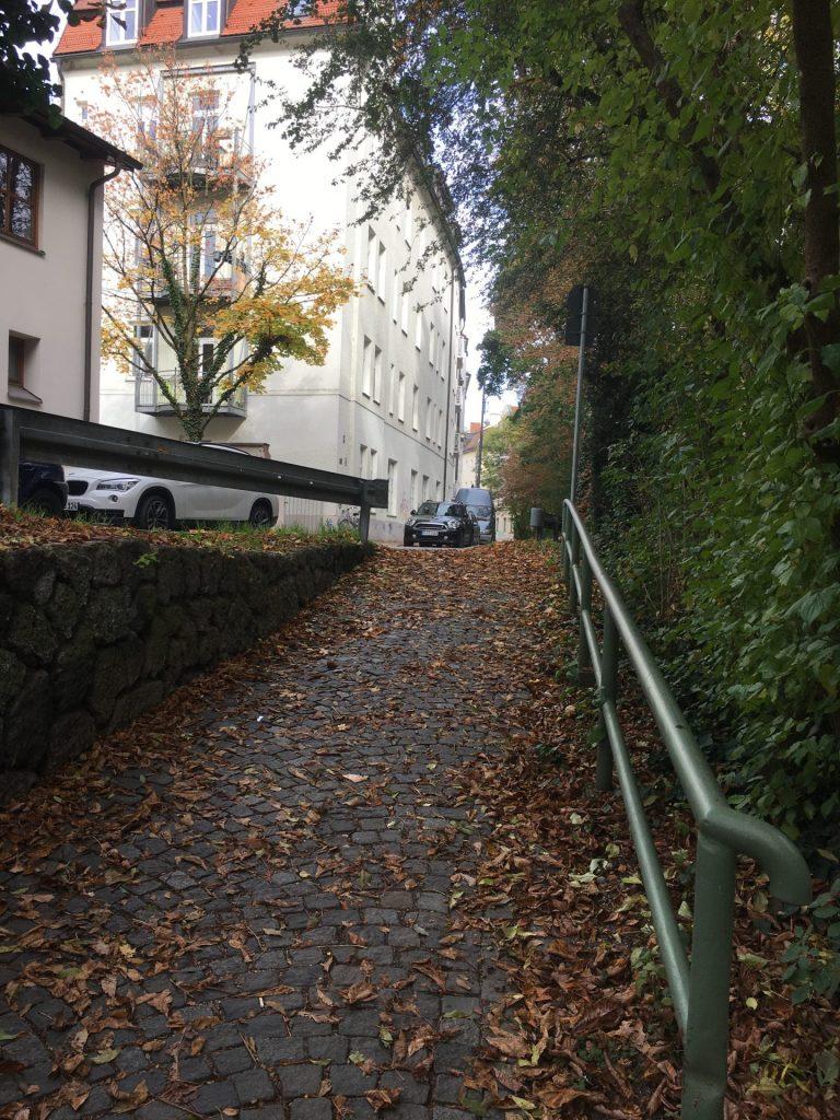 Weg entlang des Westermühlbachs