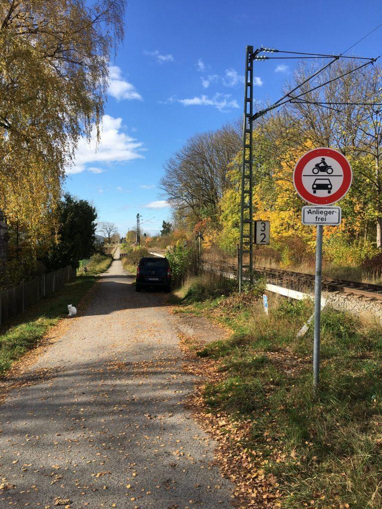 Weg entlang der Bahnstrecke Unterhachinger - Fasangartenstraße