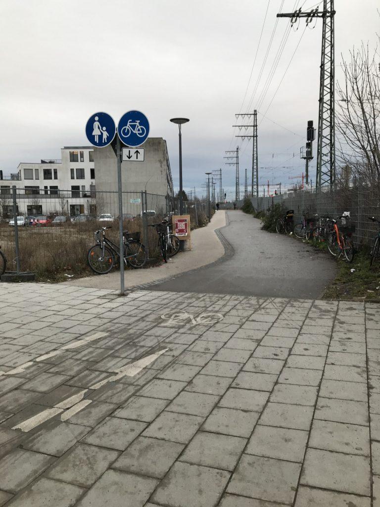 Weg Gottfried-Keller-Straße zur Offenbachstraße