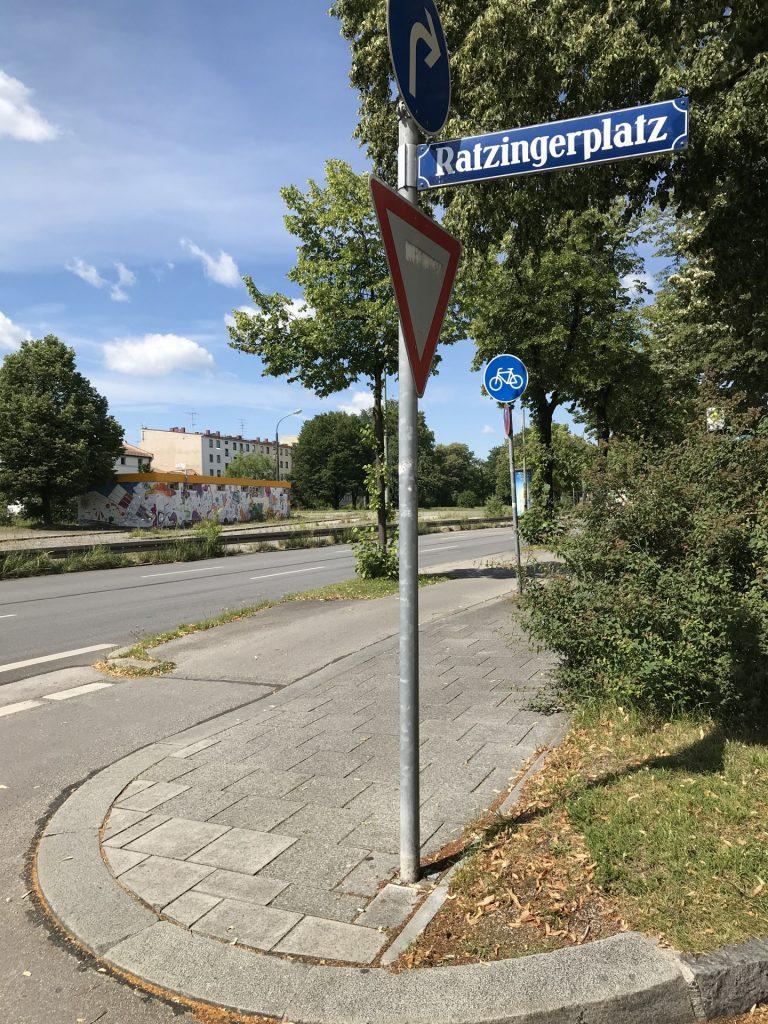 Ratzingerplatz