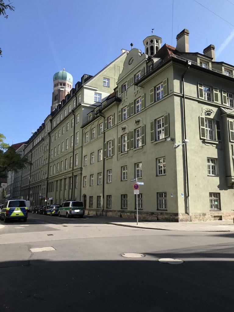 Maxburgstraße